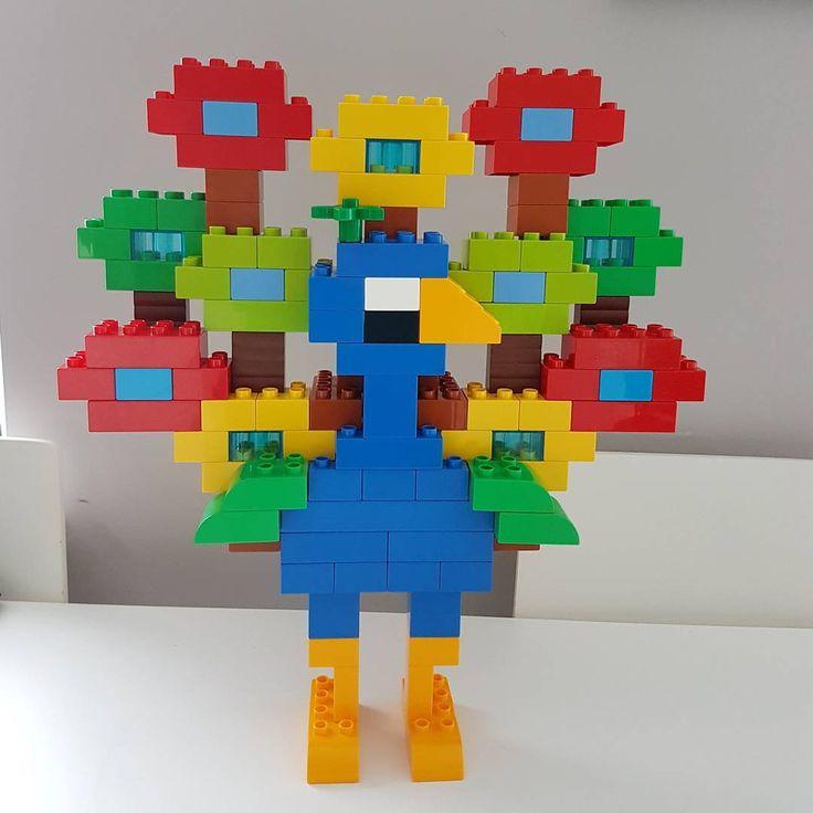 Hier siehst du einen Pfau aus LEGO® Duplo, der uns von BRICKaddict.de gefällt!