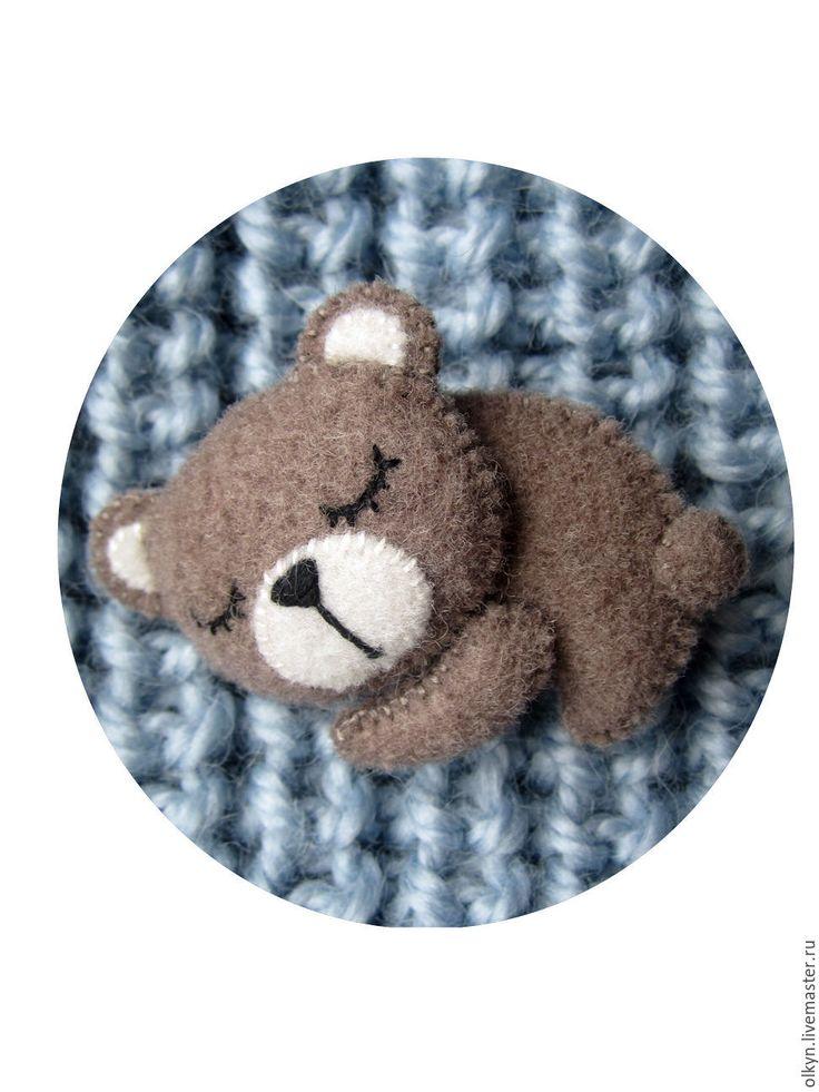 Купить или заказать Брошь из фетра Мишка-сплюшка в интернет-магазине на Ярмарке…