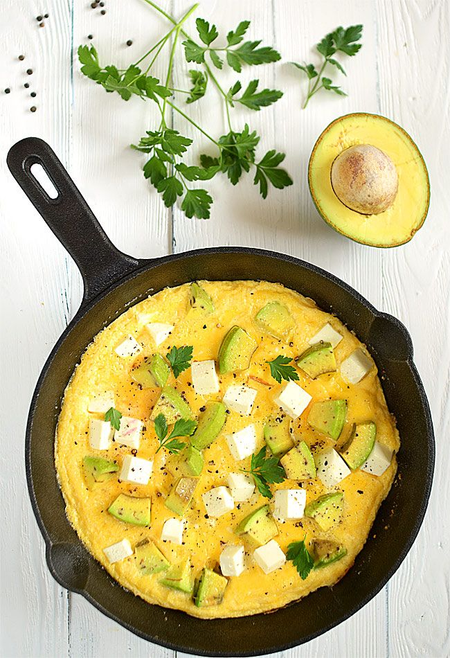 Puchaty+omlet+z+awokado+i+fetą:+Puchaty+omlet+z+awokado+i+fetą+to+bardzo+dobry+pomysł+na+śniadanie+lub+kolację....