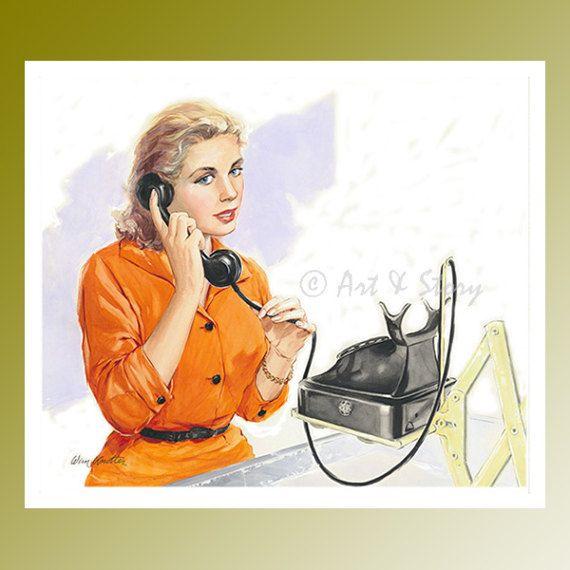 À bien des égards, les années cinquante ont été un énorme tournant pour les femmes. Beaucoup de femmes ont commencé à choisir de travailler ainsi que de porter des tâches domestiques. Cette affiche vibrante de lillustration vintage 1957 Le coup de fil  a été dessinée par Wim Knotter. Elle est de 33 x 48 cm. Une femme indépendante des années cinquante, habillée en orange vive répond au téléphone, lemploi le plus courant des femmes de cette période. Cette pièce dart murale vibrante est…