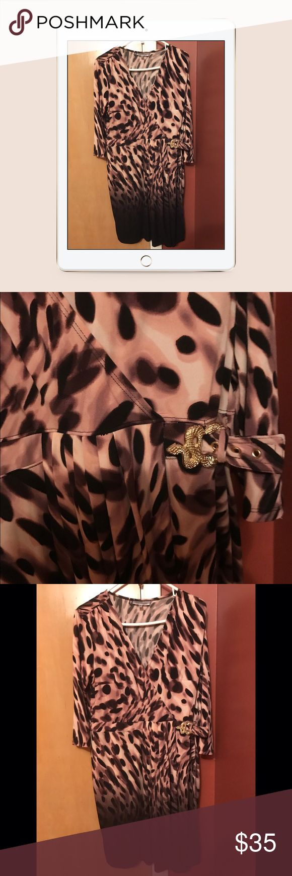 Xl sexy cheetah dress. Rawr👌🏻👌🏻👌🏻 Sexy sophisticated cheetah dress size is xl, excellent condition Jennifer Lopez Dresses