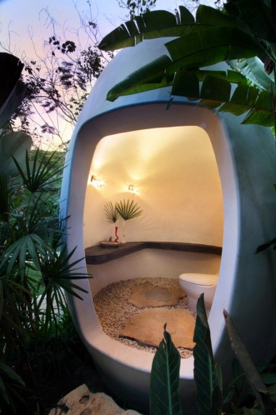 """Amazing pod for composting toilet. Site translation says """"Lalaland is a beautiful home in Bali that combines an eclectic atmosphere""""  ... and something about """"The furniture egg 'Le Uova Di Leon'"""""""