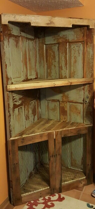 Pallet, old door corner shelf