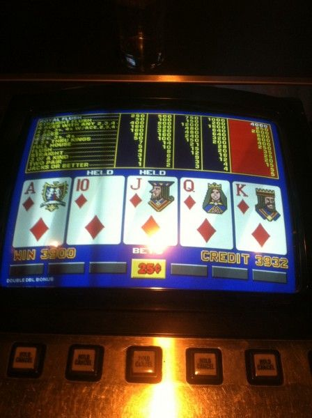 WHO'S TENDING | Local Las Vegas Gaming Bar Information: Lucked a royal.. A stop in and win!!!!!