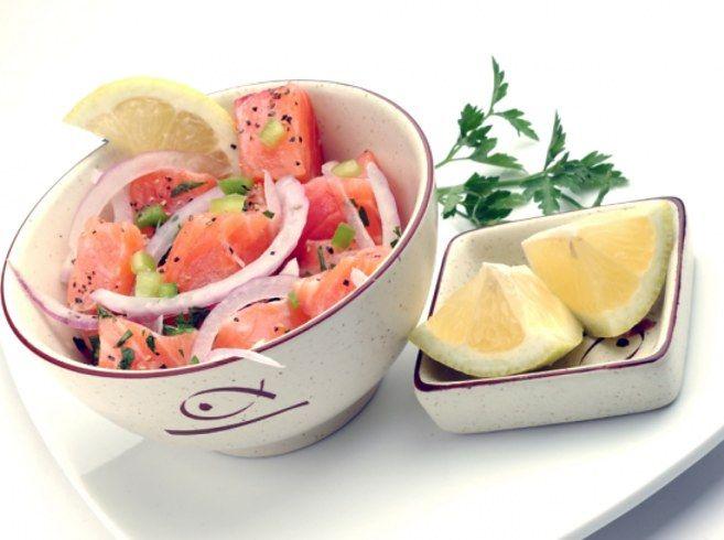 Ceviche de salmón.   16 Deliciosas recetas que te pondrán a comer ceviche sin parar