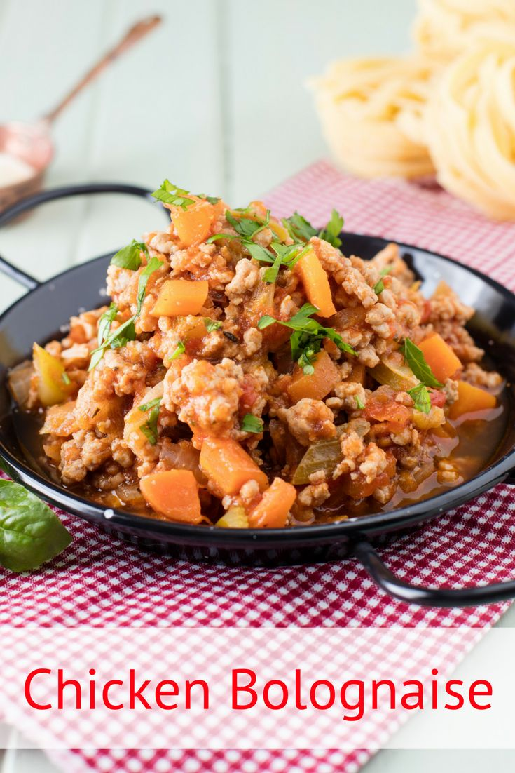 Chicken bolognese recipe. A great ground chicken pasta sauce. We've given the traditional bolognese recipe adelicious chickentwist. And, if you want to make it even tastier – add bacon for a flavour boost. In short, it's the perfect quick & easy weeknight dish.