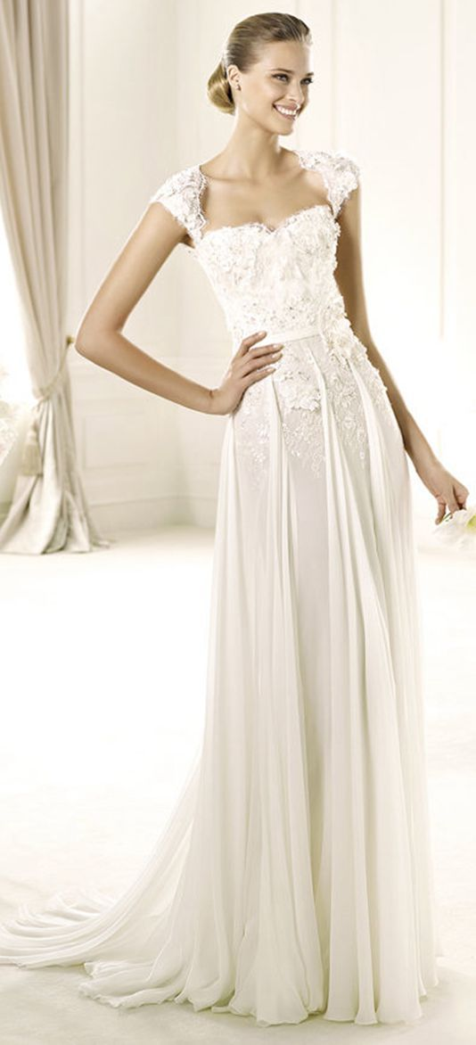 Elegant A-line Spaghetti Straps Beading Lace Hand Made Flowers Sweep/Brush Train Chiffon Wedding Dresses