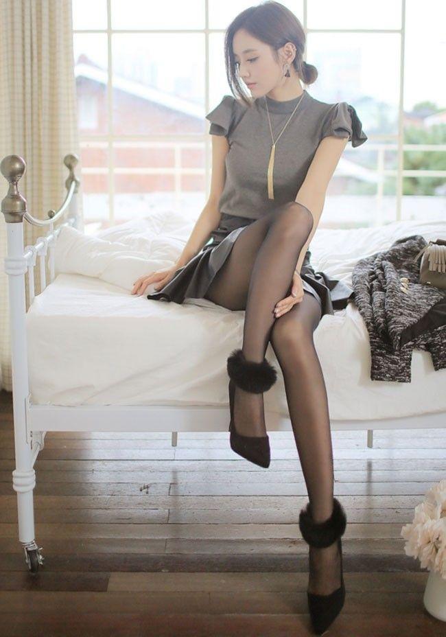 ソンユンジュの美しい脚