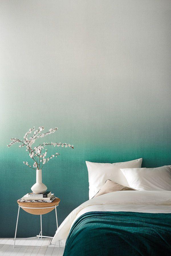 градиентные обои цвета морской волны для спальни в стиле Cредиземноморья