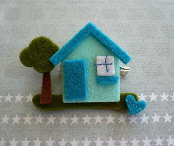 sweet little felt blue house brooch