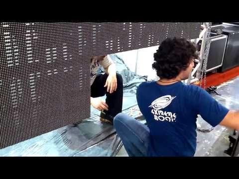 Painel de LED Boz P10 Outdoor - Expomusic - Boz Technology - Montagem 1 - Get it on Amazon:  http://www.amazon.com/dp/B015MQEF2K - http://outdoors.tronnixx.com/uncategorized/painel-de-led-boz-p10-outdoor-expomusic-boz-technology-montagem-1/