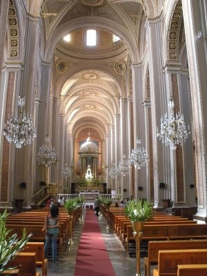 Cathedral in Morelia, Mexico.     http://hostmyniche.com/learnspanish/