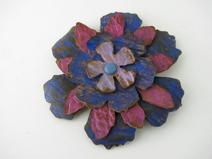Flower Pin made from scrap leather and cut with the Sizzix BigShot!  Sweet!