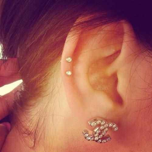 Dainty Middle Cartilage Piercing   28 Adventurous Ear Piercings To Try This Summer