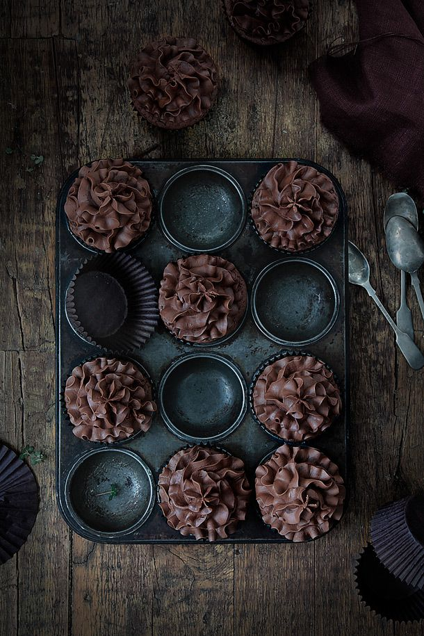 Chocolate Cupcakes Food and Cook, Cucpakes de chocolate www.foodandcook.net