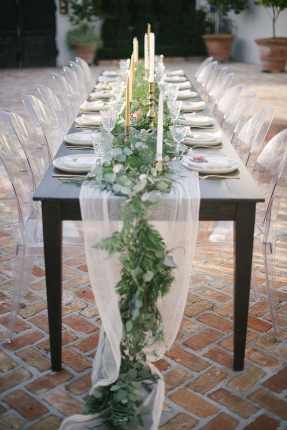 Greenery table runner via Lauren Carroll Photography / http://www.himisspuff.com/wedding-table-centerpieces-runners/4/