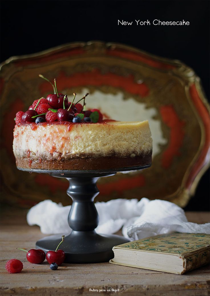 Aunque parezca mentira no había hecho nunca la clásica New York cheesecake. Había que remediarlo, siempre ando buscando el momento para hacer alguna de mis recetas pendientes. Por fin, una menos!. …
