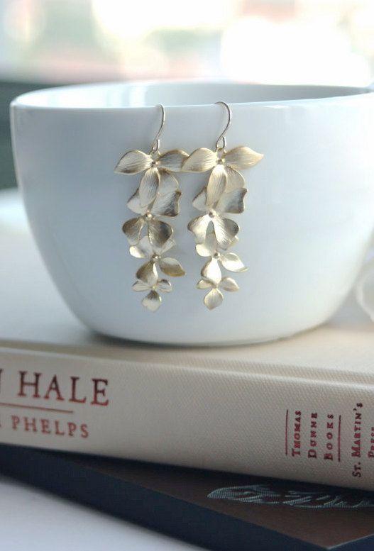 Oro CSS orchidea orecchini. Cascata di orchidee. Dono di damigelle. Lungo oro orchidee. Regali di nozze. Matrimonio in giardino. Abiti da sposa.