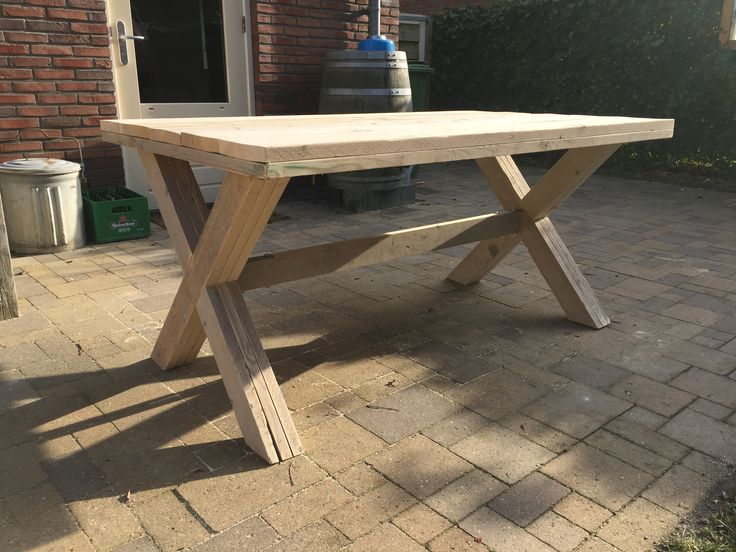 Eetkamertafel met x poten gebruikt steigerhout (100x160cm)