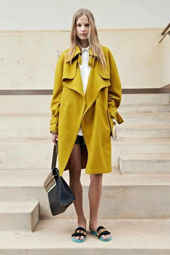 Women's Yellow Trenchcoat, White Dress Shirt, Dark Green Shorts, Black and  Gold Leather Flat Sandals - 2732 Best Trenchcoats Images On Pinterest Trench Coats, New York