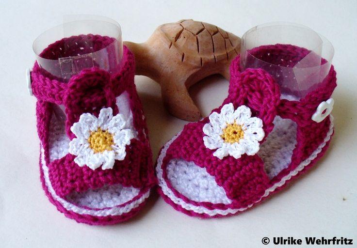 Babyschuhe Baby Sandalen  von strickliene auf DaWanda.com