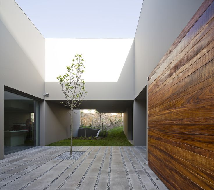 Gallery - House in Quinta Patino / Frederico Valsassina Arquitectos - 16