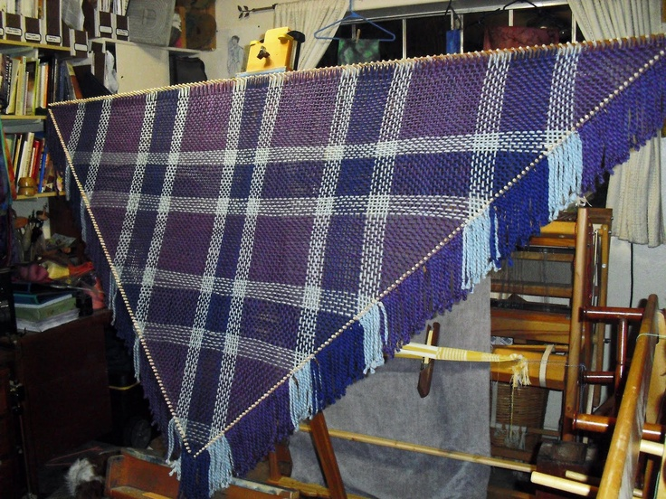 """Tangible Daydreams: Triloom weaving with Loops & Threads """"Cozy Wool"""" yarn   http://tangibledaydreams.blogspot.com/2011/12/triloom-weaving-with-loops-threads-cozy.html"""