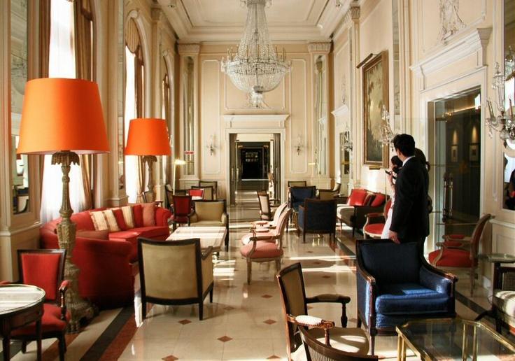 http://guias-viajar.com/ Salón Europa en el Hotel Palacio en Estoril