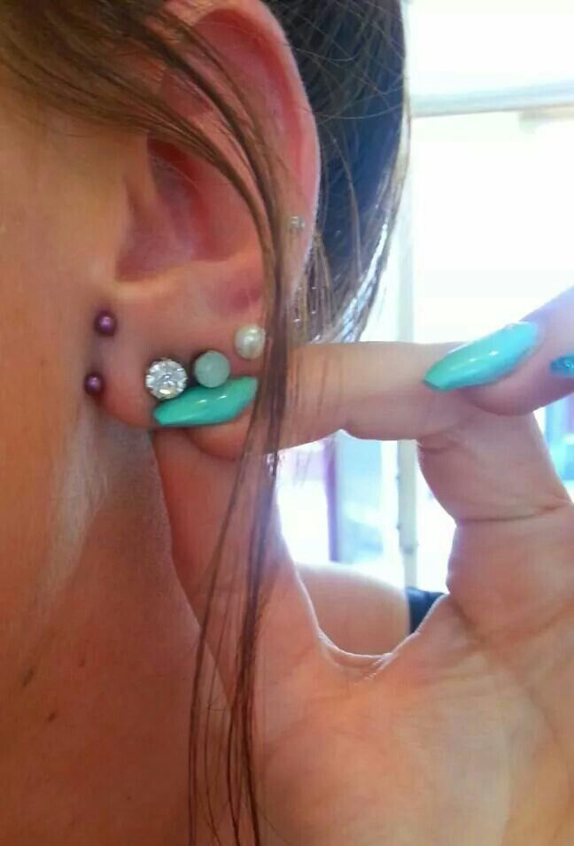 Anti lobe piercings ♥