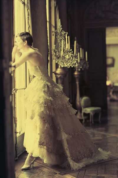 Dior's Mozart dress, photographed by Norman Parkinson, Spring 1950 Haute Couture