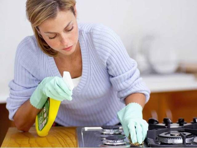Kuchyň je bezesporu místností, kde nám na čistotě záleží snad nejvíce. Příprava jídla ve špatně uklizeném prostředí by se totiž ...