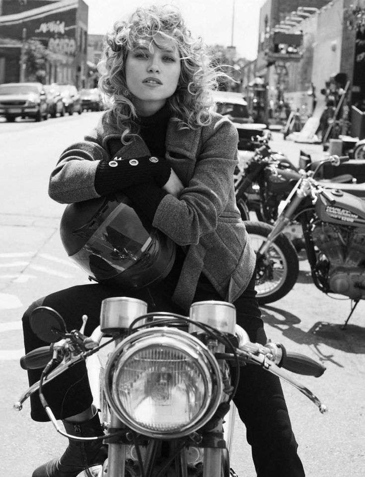 Hana Jirickova by Benny Horne for Vogue Spain September 2016