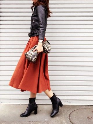 これ1枚で美女見えが叶う!この秋冬は「赤フレアスカート」さえあればいい♡ - LOCARI(ロカリ)