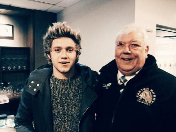 Niall at the Chelsea vs Manchester United game in Londo (10.01.2015)