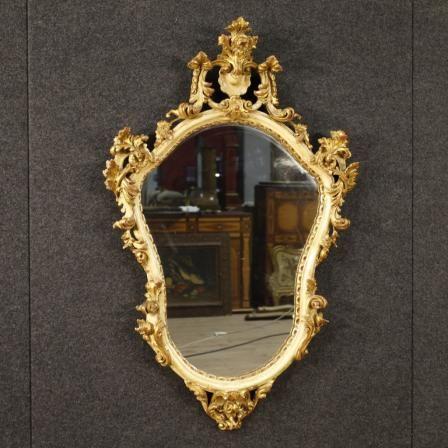 900€ Italian lacquered and gilt mirror. Visit our website www.parino.it #antiques #antiquariato #furniture #antiquities #antiquario #mirror #miroir #specchio #specchiera #golden #gold #decorative #interiordesign #homedecoration #antiqueshop #antiquestore #lacquer #lacquered