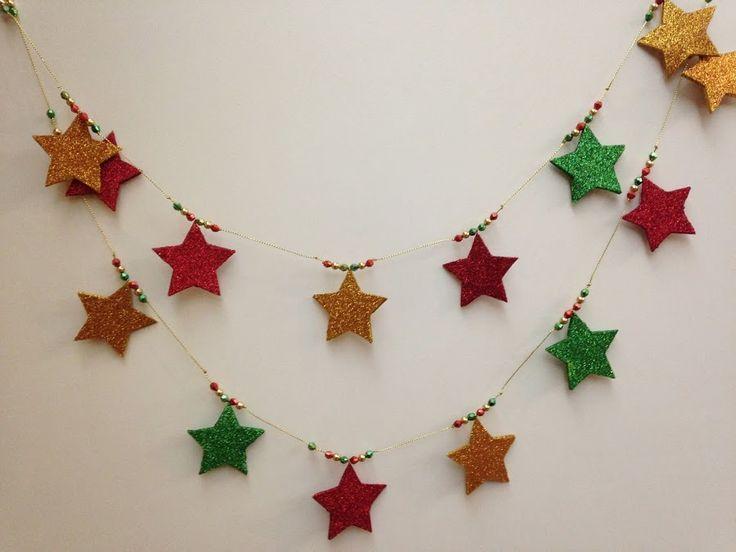 Un detalle DIY decorativo muy fácil de elaborar y perfecto para decorar las paredes en Navidad.