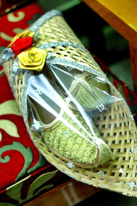 Groom's nagra shoe