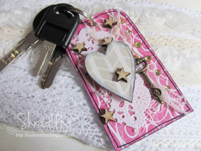 Drobiazg do damskiej torebki - a keychain by Shraddha