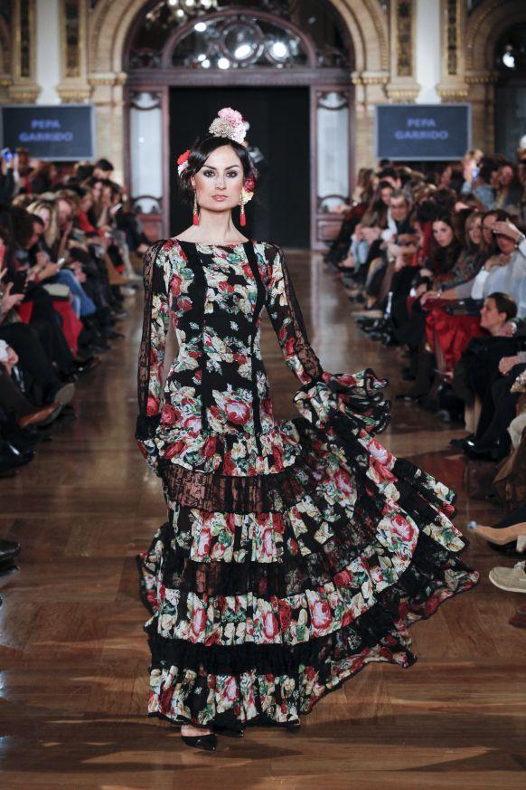 pepa garrido | flamenco fashion | trajes flamenco |  FLORAL FLAMENCO DRESS BLACK AND RED  Flamenco boutique: flamencoboutique.com Facebook.com/flamencoboutique