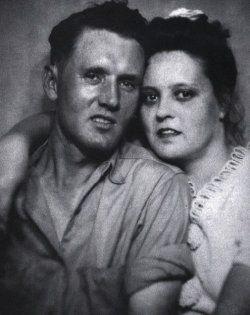 Vernon Elvis Presley (1916 - 1979) - Find A Grave Memorial Click on the link