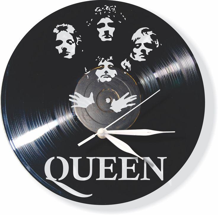EFEMERIDES: 26 de enero de 2010 la banda Metallica se presenta ante mas de 55 mil fans en el Club Hipico de santiago DE Chile - 26 de enero de 1979 se publica el single de la banda Queen llamado ''Don't Stop Me Now'' en el Reino Unido - 26 de enero de 1970 John Lennon escribe, graba y mezcla su nuevo sencillo ''Instant Karma'' en un solo día - 26 de Enero de 1963  SOUVENIRS EN DISCOS DE ACETATO, MAS DE 400 DISEÑOS - https://www.facebook.com/relojesmonkeyfashionbogota
