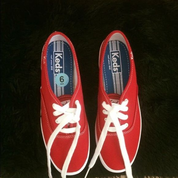 NEW ⚡️KEDS Sneakers for women red KEDS Oxford sneaker. Size 6. True to size. This is new, never worn. Without a box. Red keds Shoes Sneakers