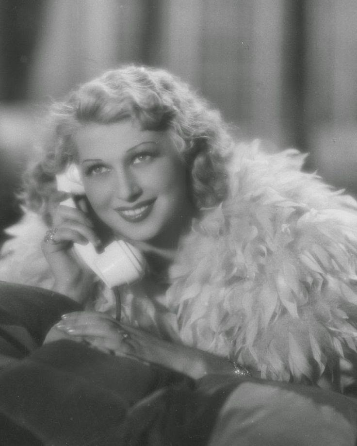 Film Noir Photos: Tracking with Closeups: Ina Benita