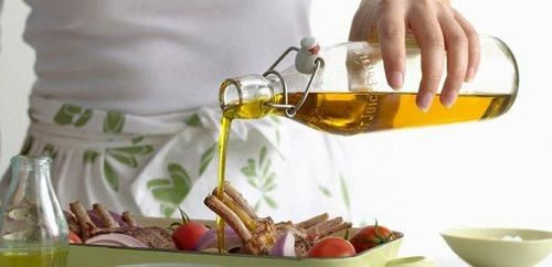 """By Beth Lipton, Health.com Everyone knows olive oil is great for your health and a staple of theMediterranean diet.  Read on for some of the biggest mistakes people make with olive oil, and how to use it correctly.  """"Light"""" refers to the color and flavor of this oil, which is highly refined to make it more neutral than other types of olive oil.  RELATED: 9 Low-Fat Foods You Shouldn't Eat You're afraid to cook with the extra-virgin stuff It's true that extra virgin olive oil has a lower ..."""