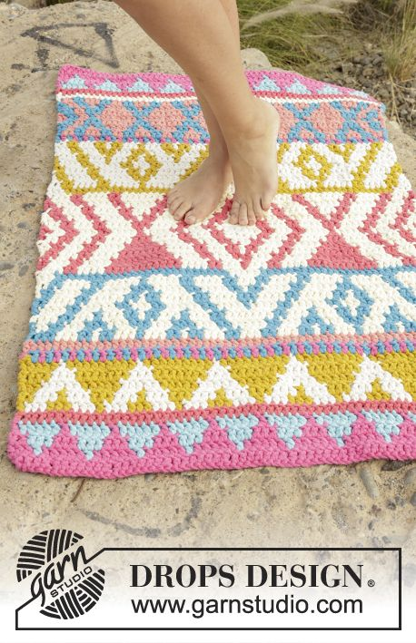 Awesome #crochet rug in summery colours! Free pattern #ss16