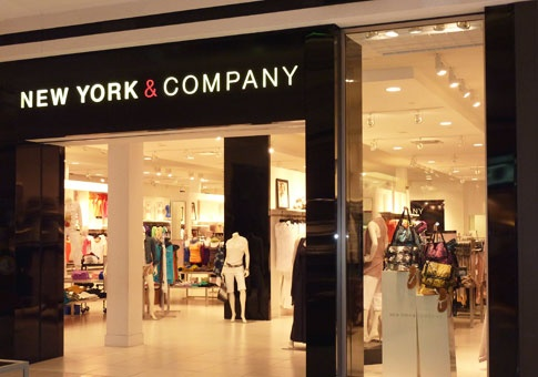 List of all outlet malls and all outlet stores in New York. All famous name brands which are located in New York. Please choose an outlet shopping mall from the list below to see outlet stores .