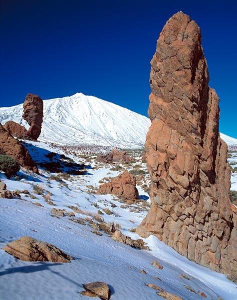 Pocas veces se ve tan nevado, pero la imagen es espectacular :) #ElTeide #Tenerife #Spaing