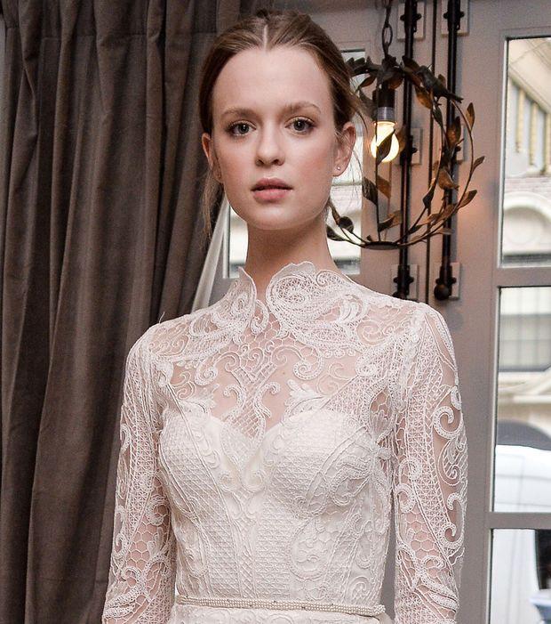 Robe de mariée dentelle vintage, col haut - LeLa Rose