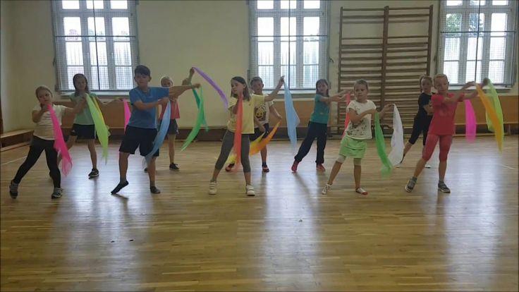 Tanz mit Tüchern - Kindertanz der Grundschule Jarmen
