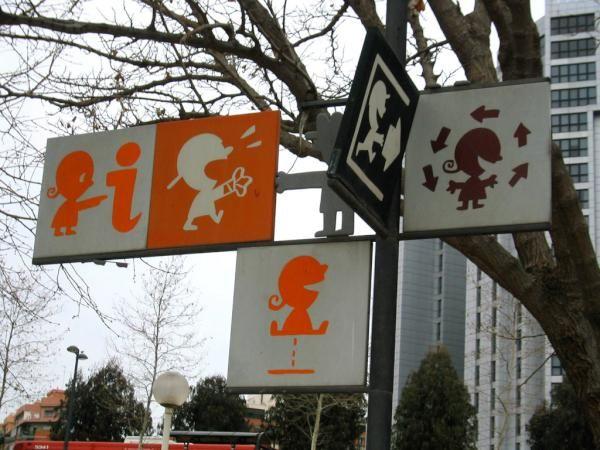 Kids' wayfinding signages